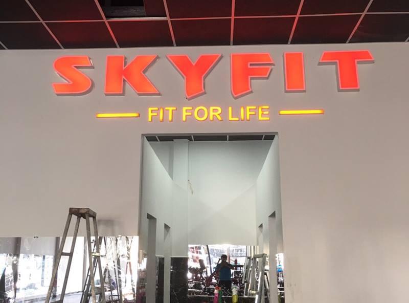 Hình ảnh thi công bảng hiệu Skyfit đẹp độc đáo tại Phú Quốc