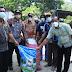 Bupati Samosir Serahkan Bantuan Penangkar Bibit Bawang Merah kepada Kelompok Tani