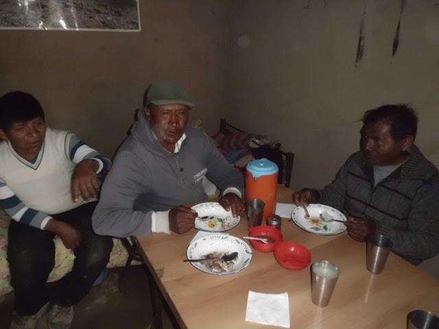 Nach dem Gottesdienst hat es allen beim Mittagessen geschmeckt