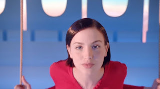 Modella Air France ''France in The Air'' con Foto - Testimonial Spot Pubblicitario Air France 2016