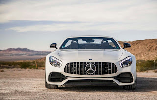 2016 Mercedes-AMG GT Roadster Front Picture