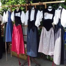 https://geheimtippreisen.blogspot.ch/2016/08/gotthelf-marit-ein-markt-wie-anno.html