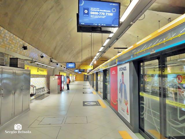 Vista da plataforma de embarque da Estação Pinheiros - Metrô São Paulo