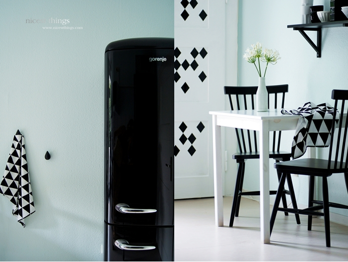 kitchen in mint black and white nicest things. Black Bedroom Furniture Sets. Home Design Ideas