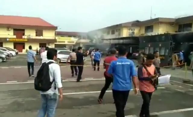 Ledakan Terjadi di Kantin Polrestabes Medan, Diduga Bom Bunuh Diri!