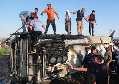 6-police-killed-in-pkk-bomb-attack-in-turkey