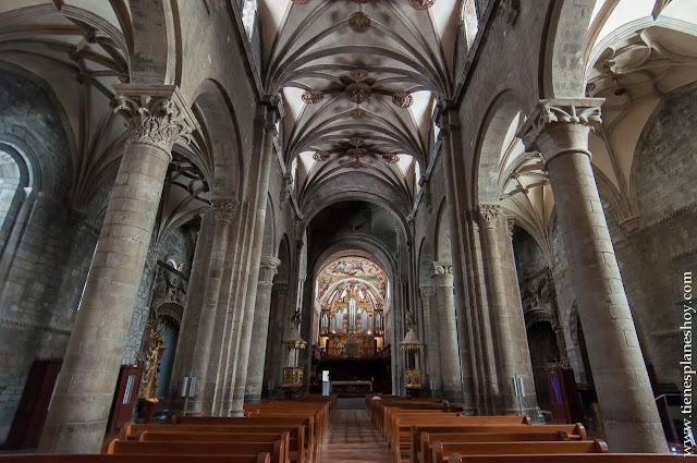 Catedral de Jaca  escapada viaje turismo planes aragon