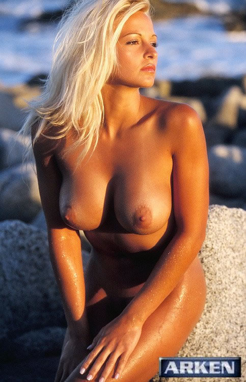 Oliversgirls Heather Hanson Beach Photo Set-9583