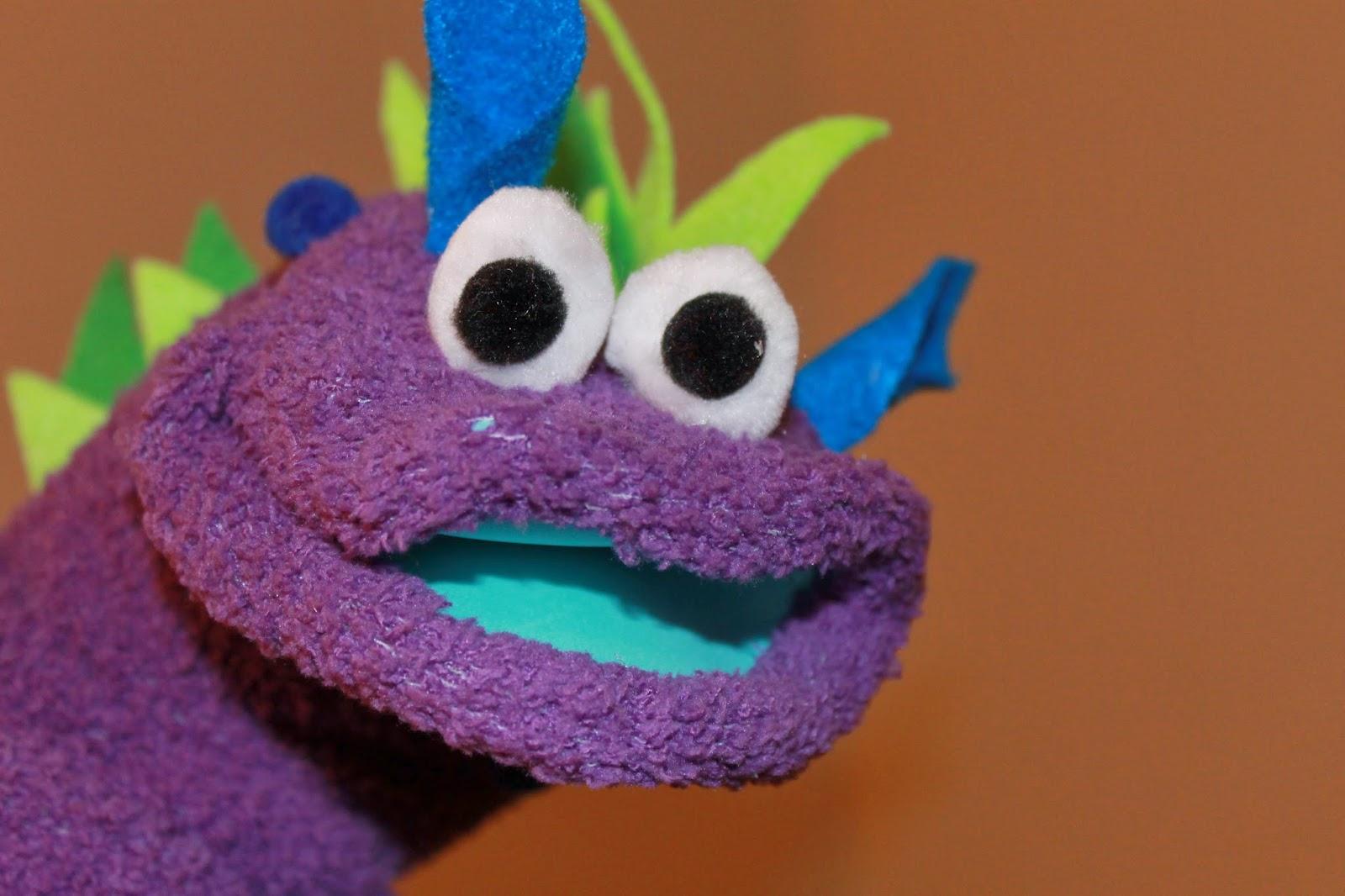 DIY dino sock puppet, cute sock puppet