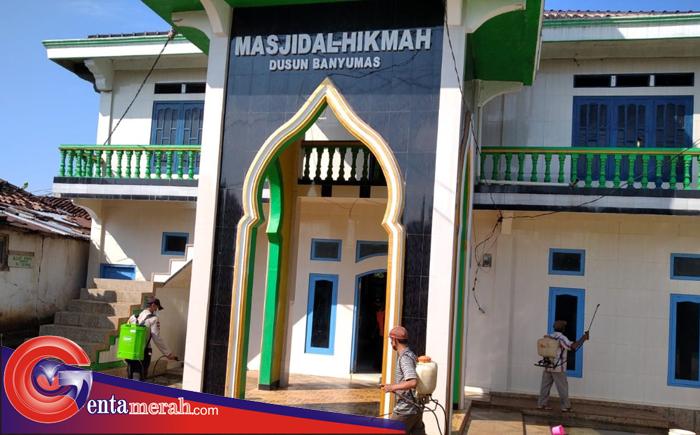 Seterililsasi Masjid Terhadap Vidurs Corona, Risma Menangasiamang Gelar Penyemprotan Desinfektan