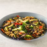 Wok with brown rice and vegetables
