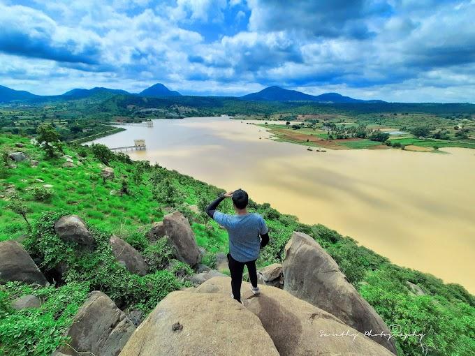 Kallukotte Hanumanabetta and Jakkalamadagu View trek
