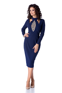 Rochie de seara accesorizata cu strass-uri albastra marimi mari