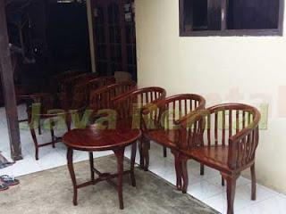 Set Kursi dan Meja Betawi