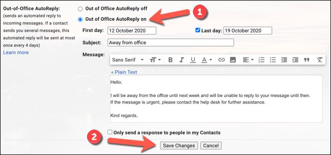 """انقر فوق """"المستجيب للعطلة قيد التشغيل"""" أو """"تشغيل الرد التلقائي خارج المكتب"""" (حسب المنطقة المحلية) لتشغيل رسالة خارج المكتب ، ثم اضغط على خيار """"حفظ التغييرات""""."""