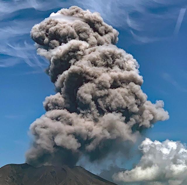 Fuerte explosión: Entra en erupción el volcán Sakurajima de Kagoshima   FOTOS
