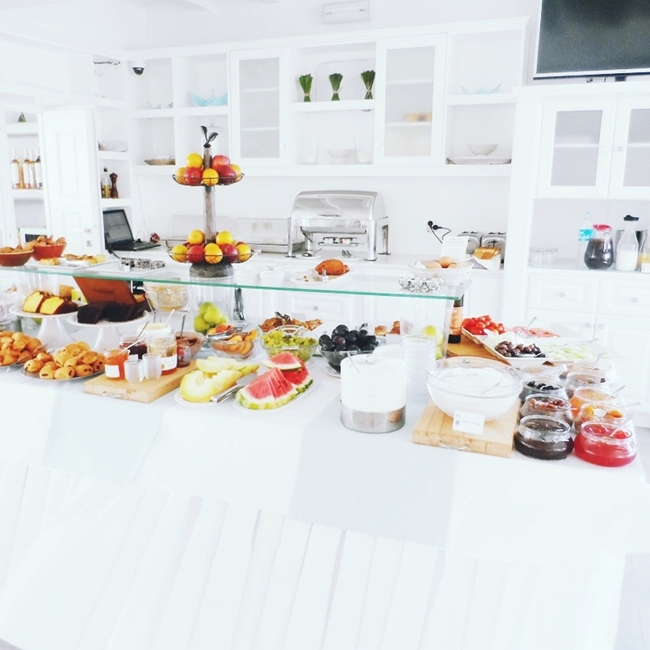 breakfast time at Minois village hotel & spa Paros