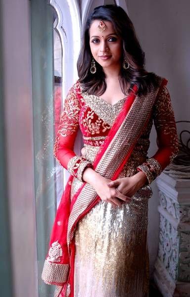Malayalam Actress Sexiest Photos of Bhavana in Saree pictures