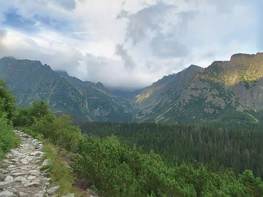 Dolina Złomisk (Zlomisková dolina).
