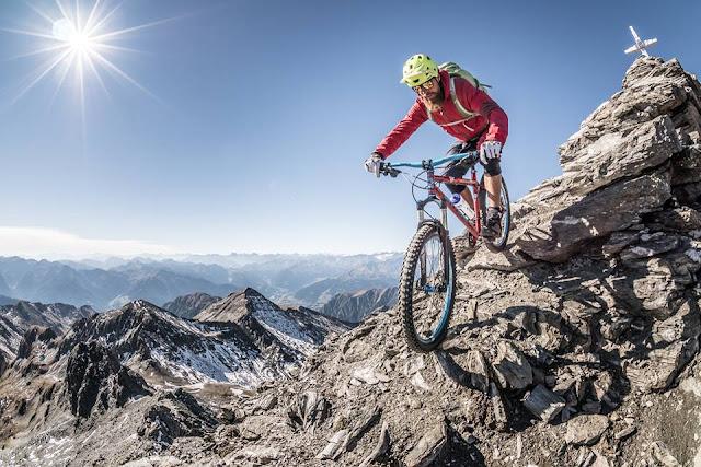 Gipfel Mountainbike Abfahrt Wilde Kreuzspitze MTB