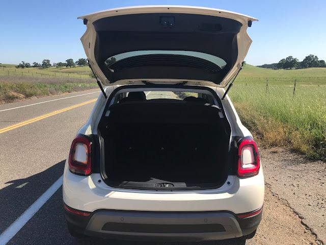 Open hatch on 2020 Fiat 500X Trekking AWD
