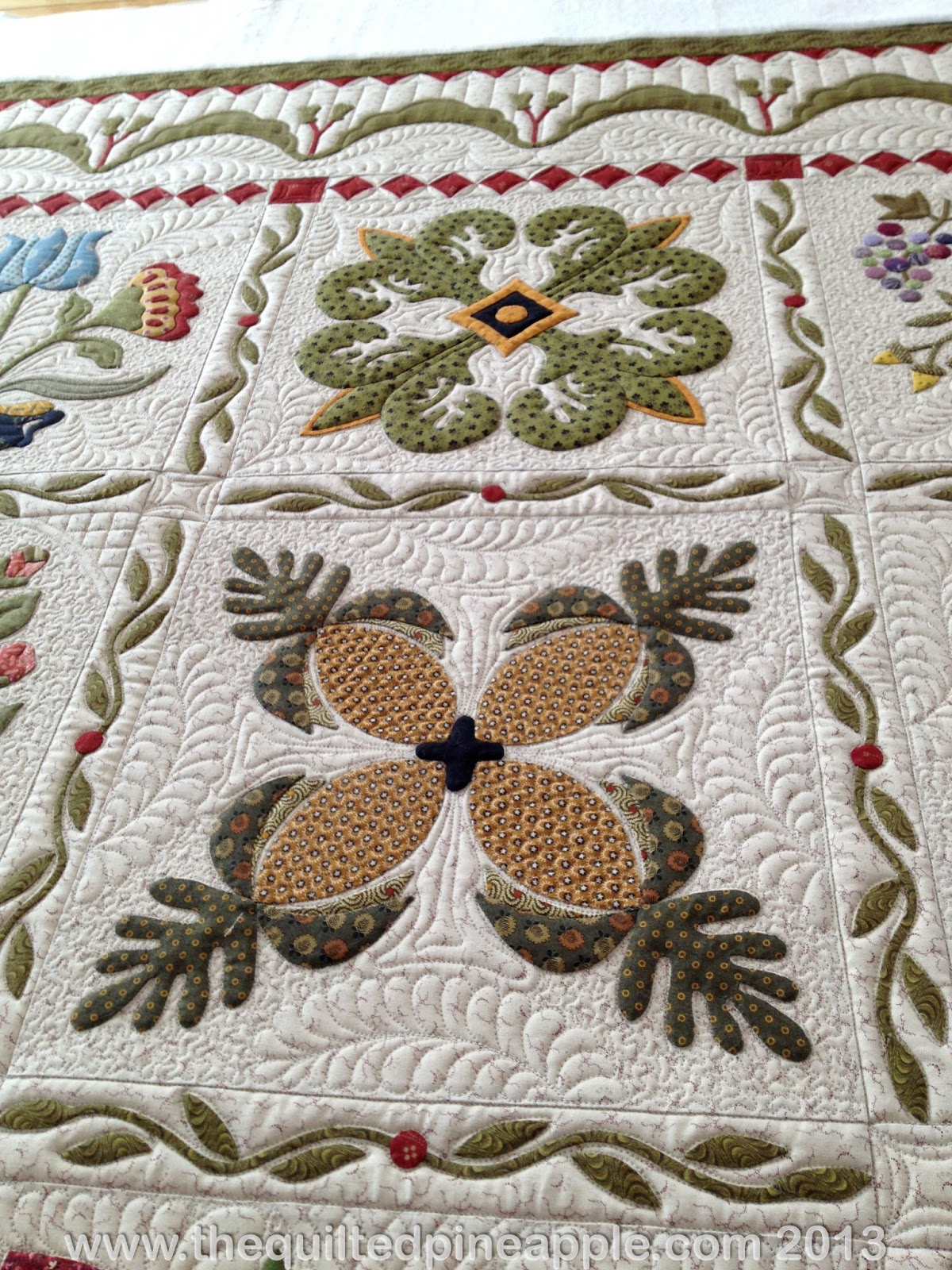The Quilted Pineapple Heartland Quilt