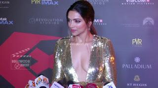 Deepika Padukone Promoting   Return of Xander Cage in India in Golde Gown 90 .xyz.jpg