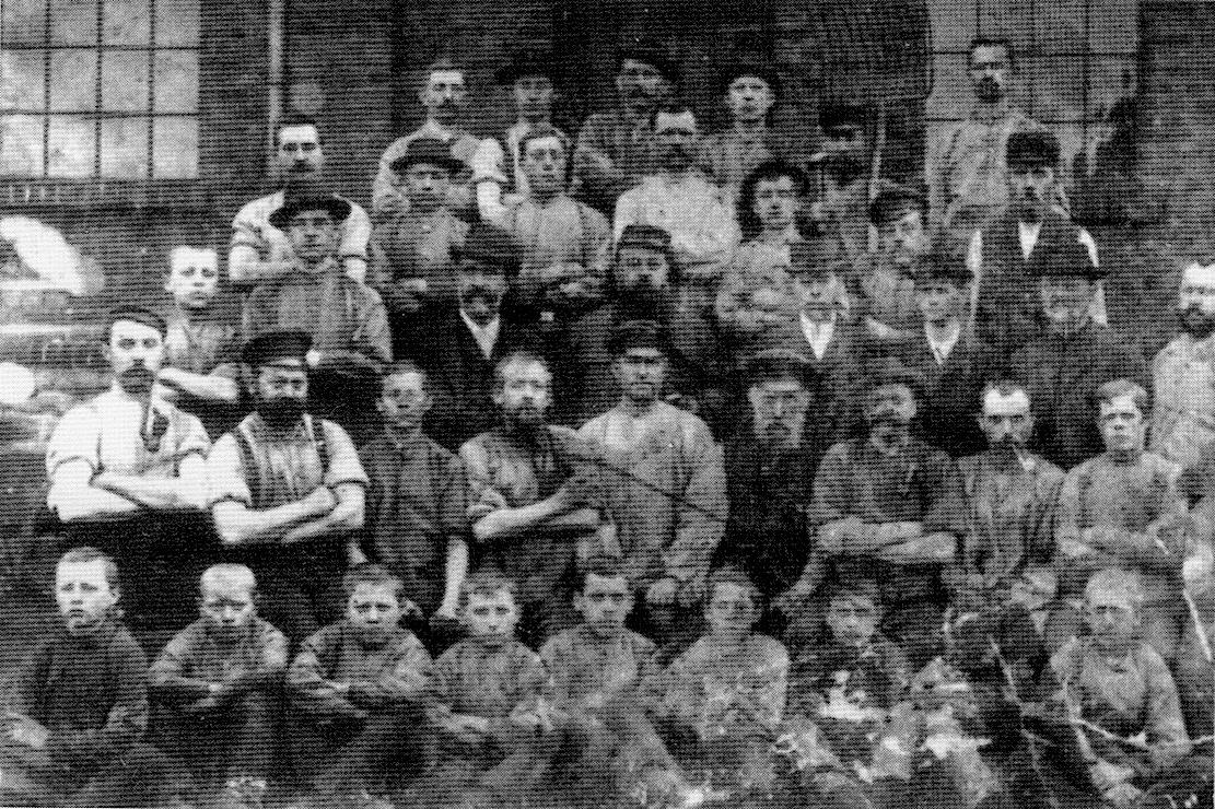 Первые трудяги конно-трамвайной фирмы Ханега, 1895 год