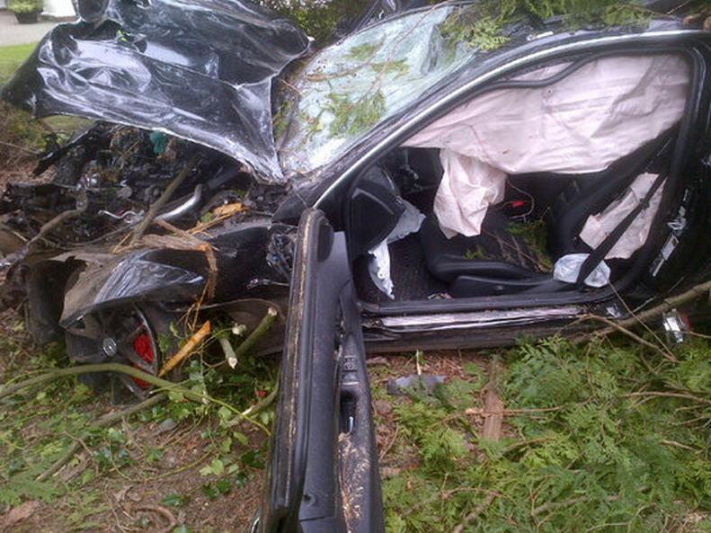 Mercedes-Crash-5.jpg