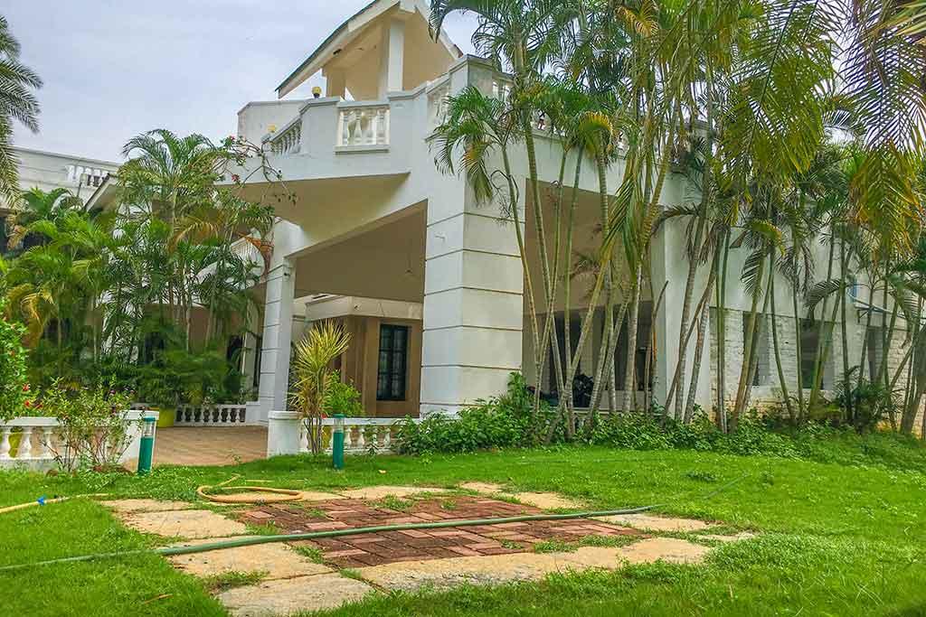 tulip beach house ecr for rent