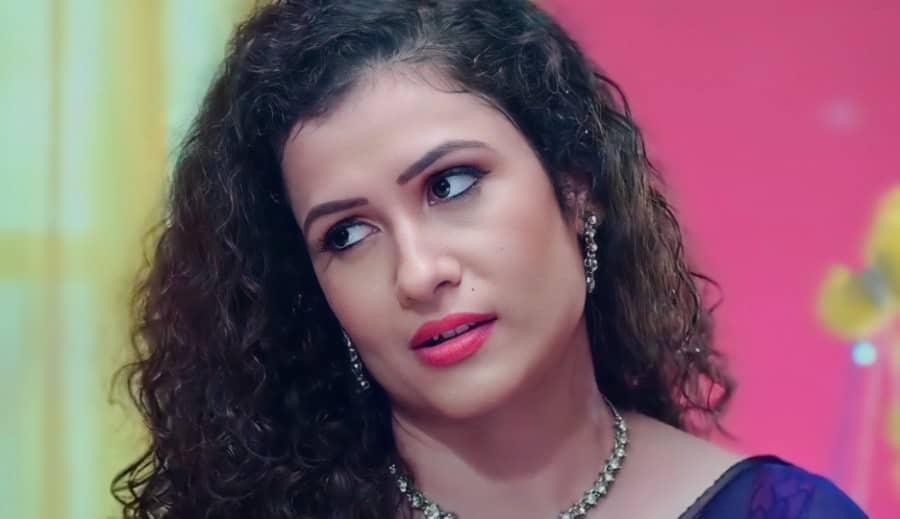 Lovely Massage Parlour Part 2 web series actress name Aakansha Saini as Lovely