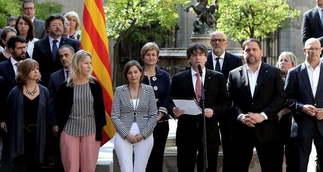 اعتقال نصف أعضاء حكومة كطلونيا والقاضية تضع أمرا باعتقال رئيسها وتسليمه