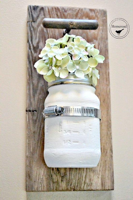Farmhouse Style Hanging Mason Jar Vase