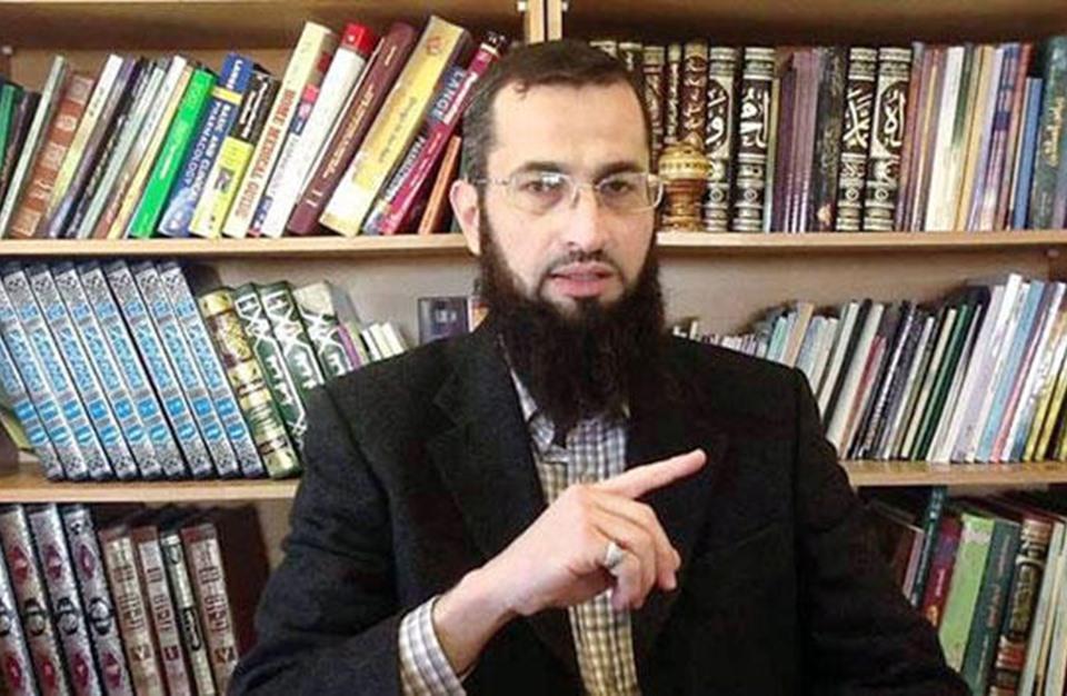 هل تعرفون من هووماقصته الداعية الاسلامية إياد قنيبي