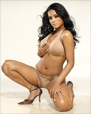 Hottest nude women bent over