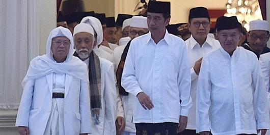 Survei LSI Denny JA: Jokowi-Maruf Unggul 15% di Pemilih Muslim