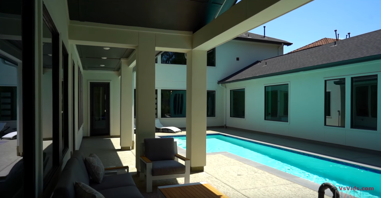 26 Photos vs. Breathtaking Contemporary Style Home in Gated Community | Houston, TX - Luxury Home & Interior Design Tour