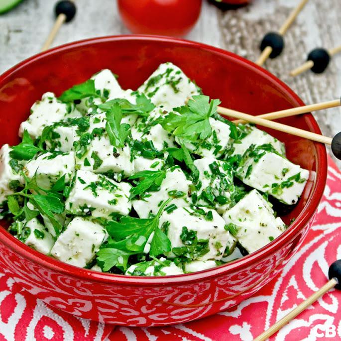 Recept Gemarineerde Griekse feta met olijfolie en veel verse kruiden