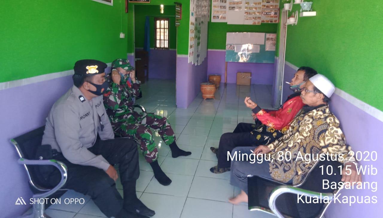 Antisipasi Kerawanan Kamtibmas, Personel Polsek Basarang Sambangi Perangkat Desa