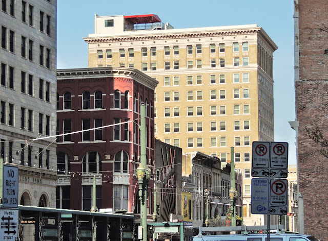 Main Street Corridor - Kiam Building (dark purple) - Hotel Icon