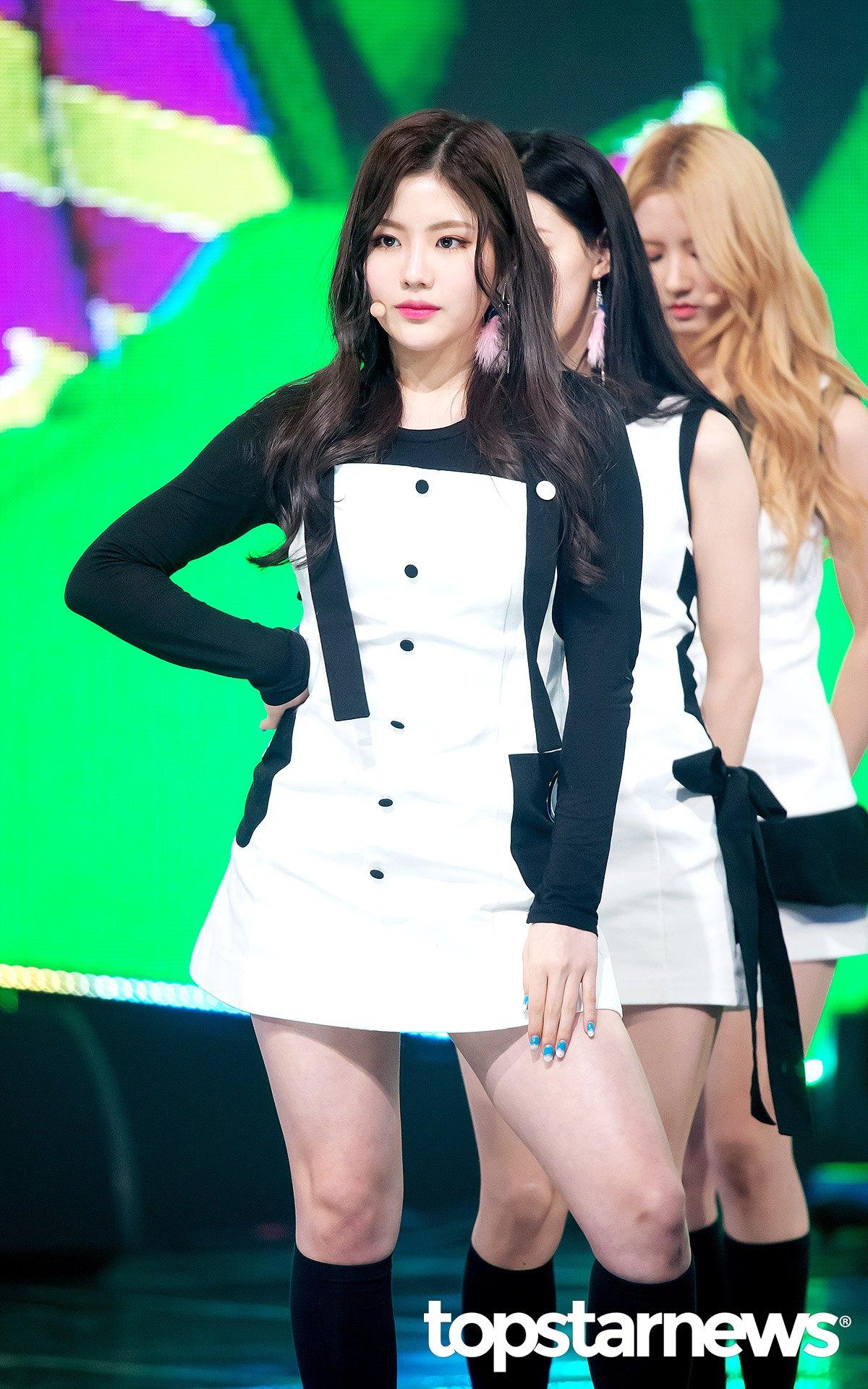 170308 gugudan - MBC Music 'Show Champion' E219 - 53p