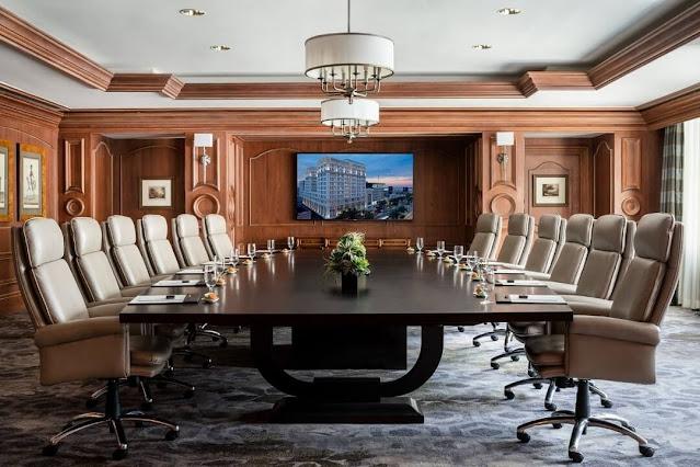 Cách bố trí chỗ ngồi trong phòng họp cho những cuộc đàm phán