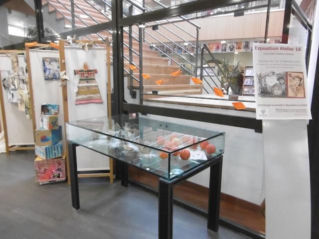 Installation hall de la médiathèque de Digne, malooka
