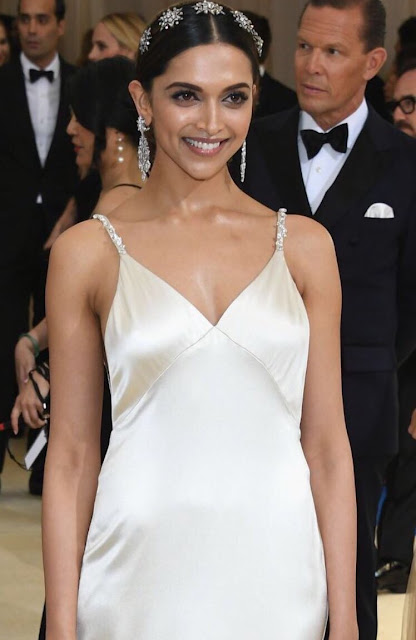 The beautifuldeepika padukone at the MET Gala 4