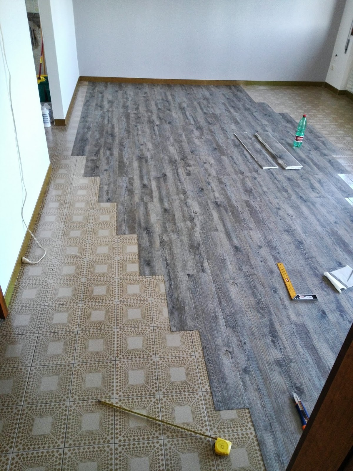 pavimento pvc adesivo leroy merlin confortevole. Black Bedroom Furniture Sets. Home Design Ideas