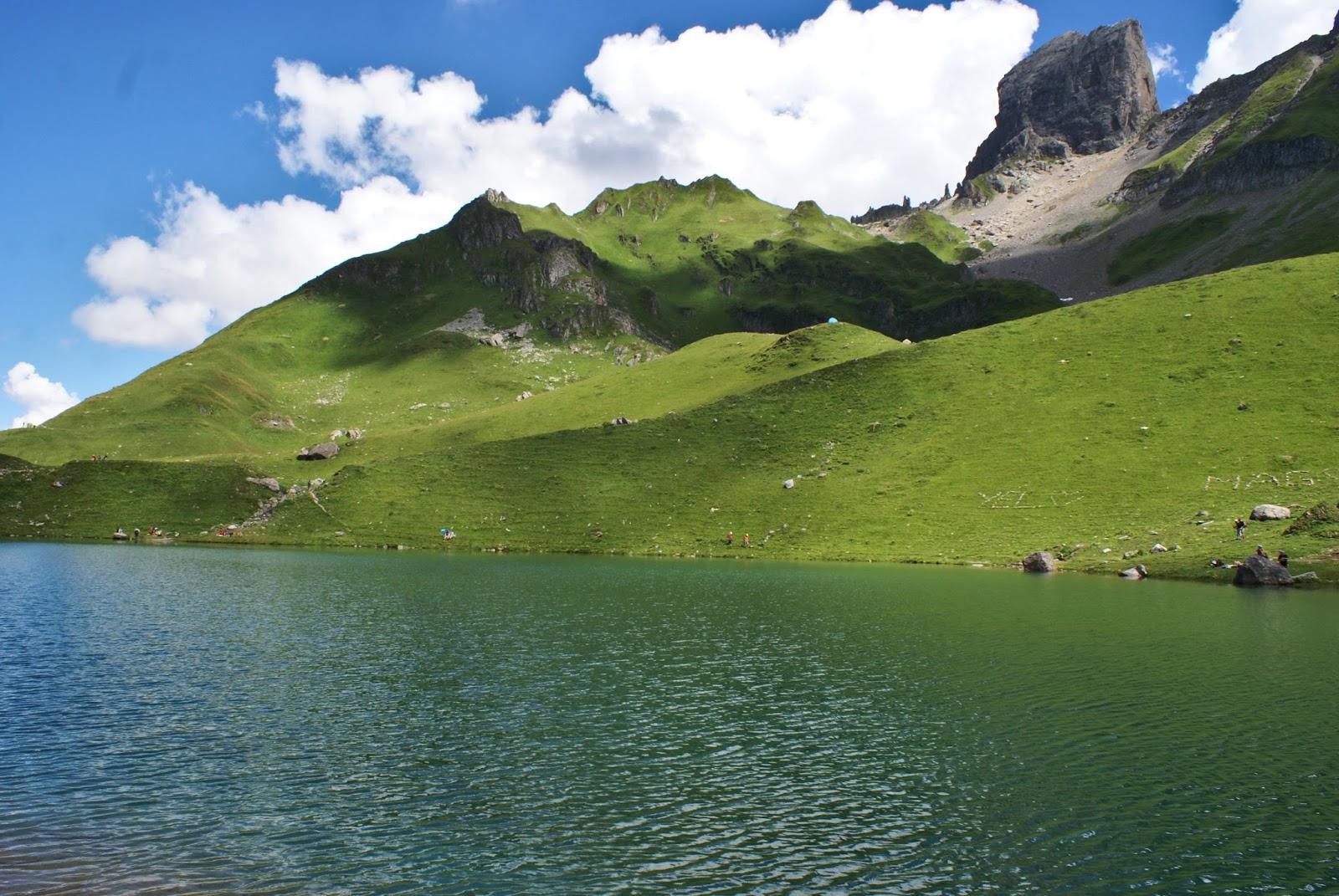 beaufortain alpes montagne savoie france randonnée lac amour pierra menta