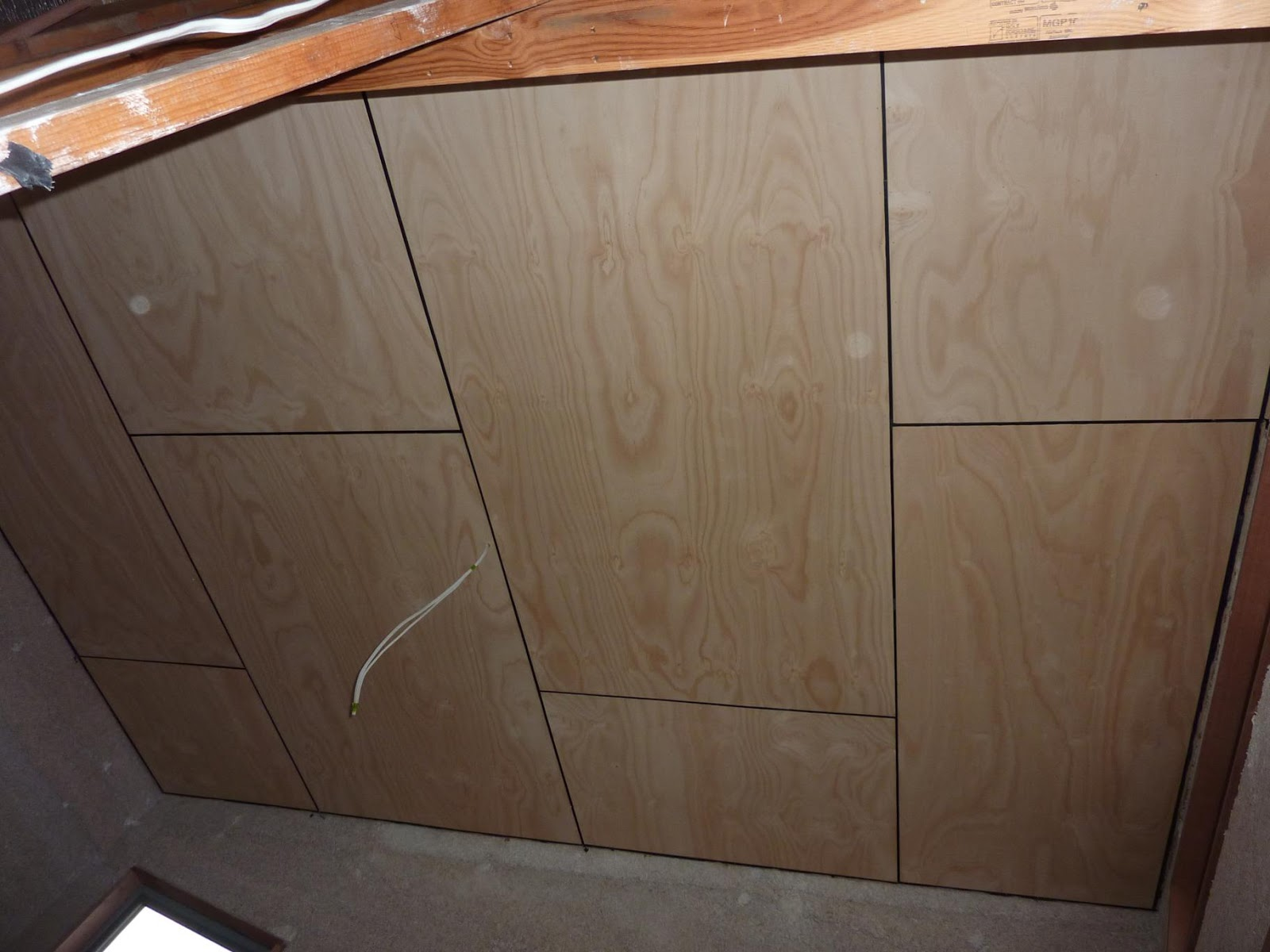 Culburra Hemp House: Lock up and plywood ceiling installation