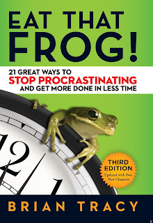 Eat That Frog!: 21 Great Ways to Stop Procrastinating and Get More Done in Less Time (2017, Originally published: 2001) by Brian Tracy