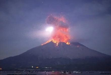 Προειδοποίηση για μεγάλη έκρηξη του ηφαιστείου Σακουρατζίμα στην Ιαπωνία