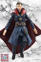 S.H. Figuarts Doctor Strange (Battle On Titan Edition) 17